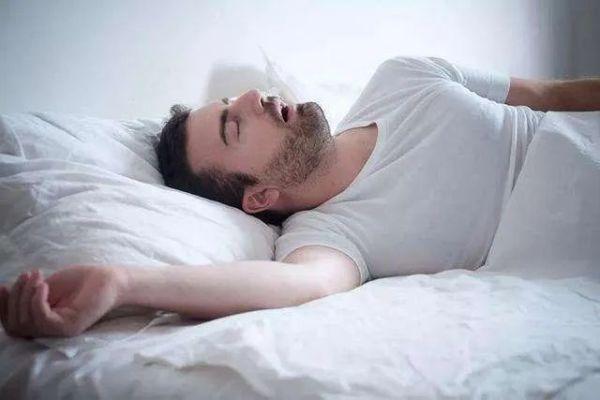 可以像华佗一样的睡觉,赶走垃圾睡眠,有一个健康的睡眠法则