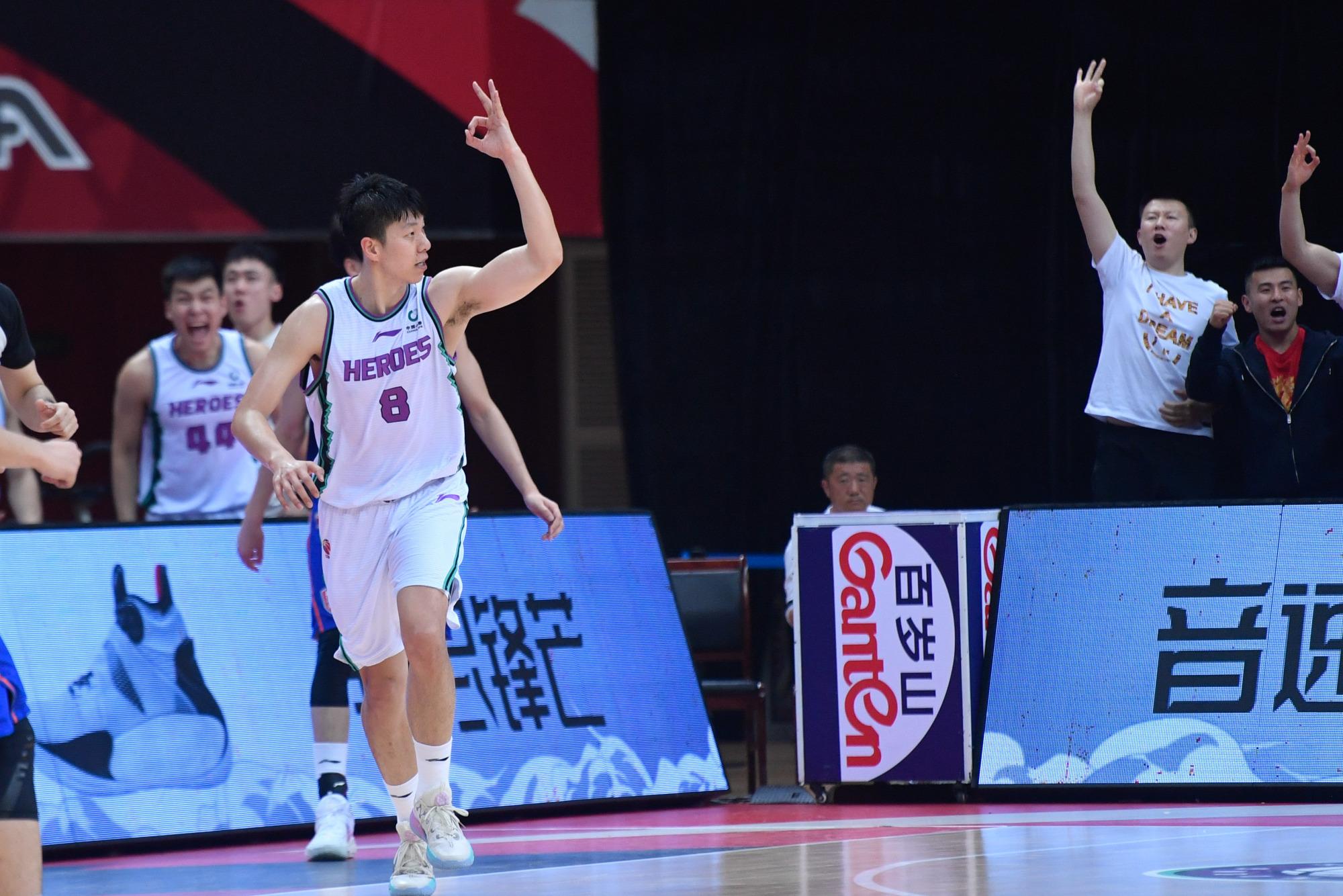 山东男篮赢球背后,一项缺点引起巩晓彬不满,或影响季后赛成绩