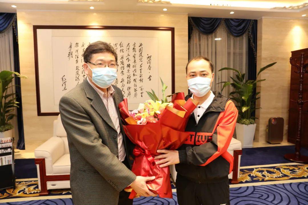 广西中医药大学第一附属医院中医专家王庆高出征科摩罗执行国际抗疫合作医疗任务