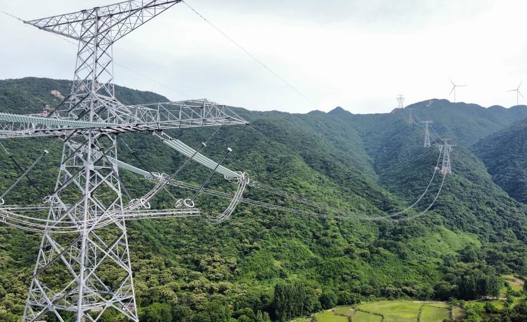 ±800千伏,800万千瓦,陕北—湖北特高压工程启动送电