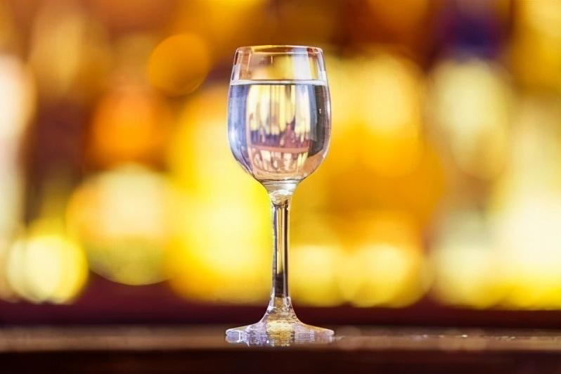 白酒中是不是都含有甲醇?白酒中甲醇含量超标危害有多大?