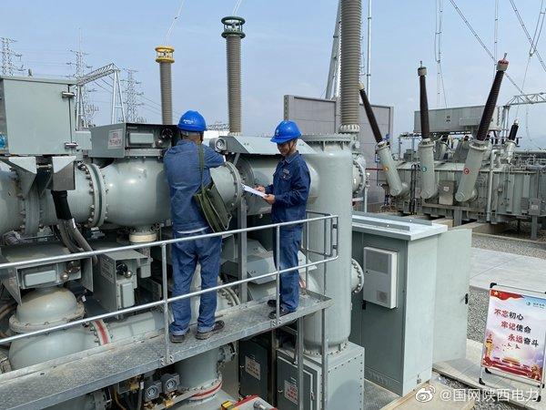 安康供电公司走进330千伏月河变验收现场
