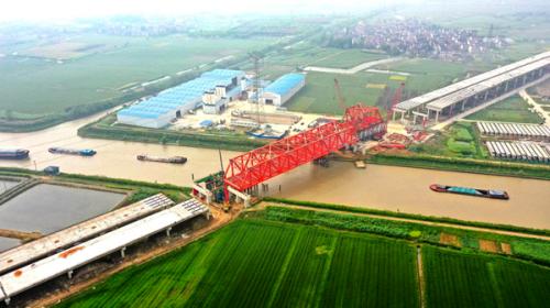 溧宁高速公路江苏段进入路面施工阶段