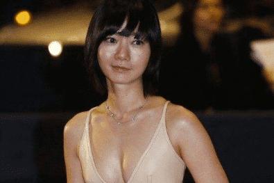作為亞洲影后,出身豪門的她卻出演風月片,關鍵還不是為了錢