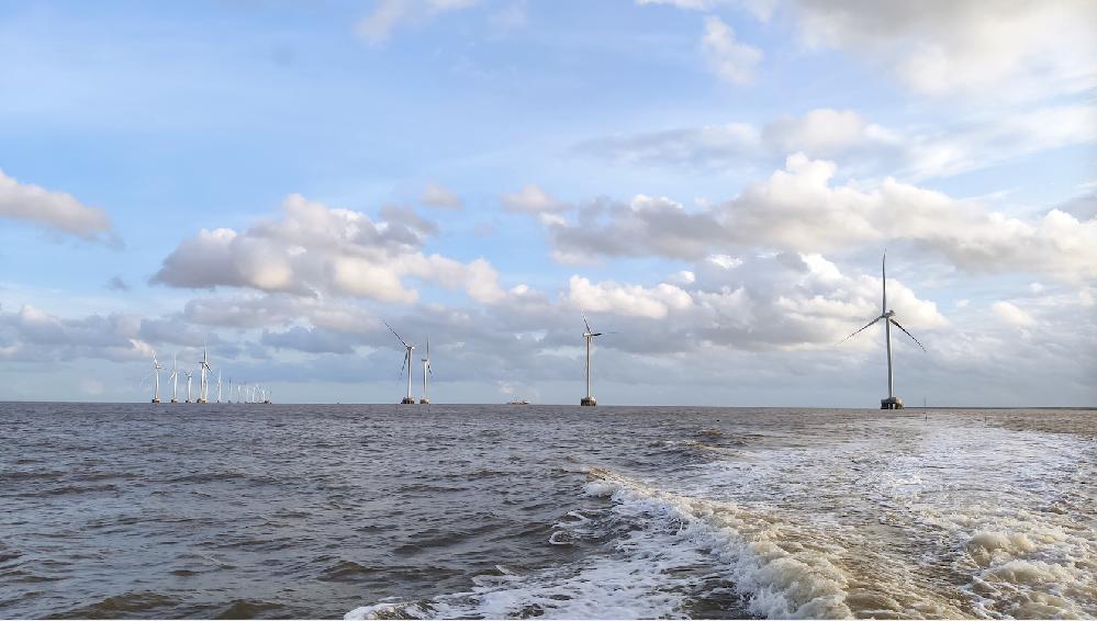 越南新顺海上风电项目首台风机并网成功