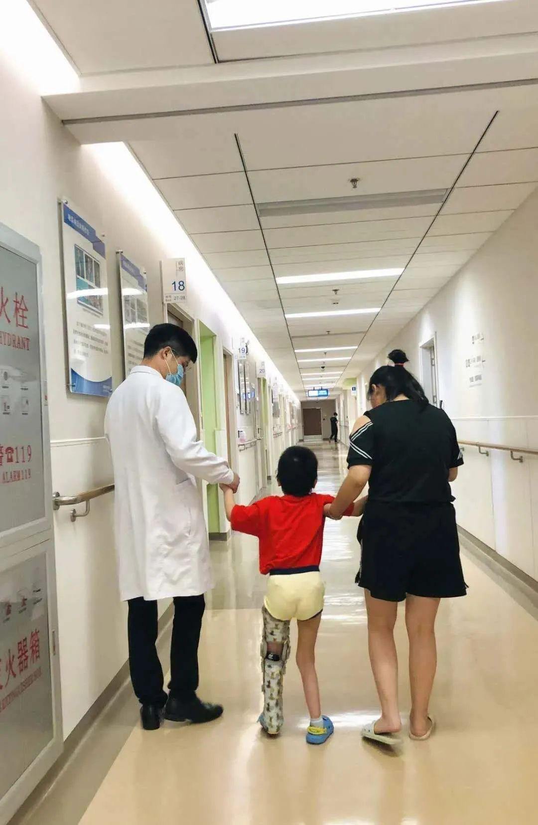 合肥京东方医院向守护生命的医师致敬