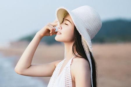 夏季想要不变黑,少不了3种护肤品,看看你都备齐了吗?