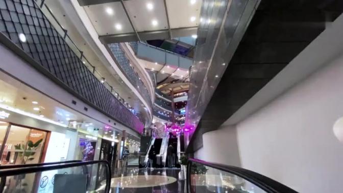 上海浦东新区首家超级购物中心,泰国正大广场,疫情影响关店过半