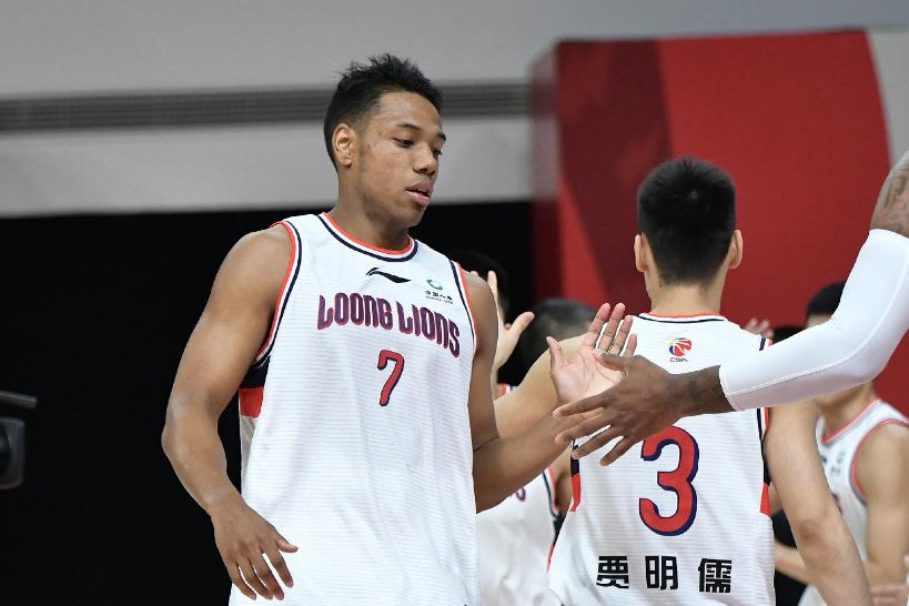 前10顺位新秀半程境况不同,朱松玮惊艳,山东小伙坐穿冷板凳