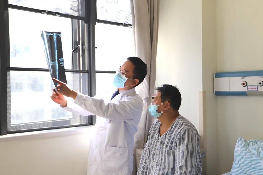 高空坠落,生命垂危!前海人寿广州总医院成功抢救一粉碎性骨折患者