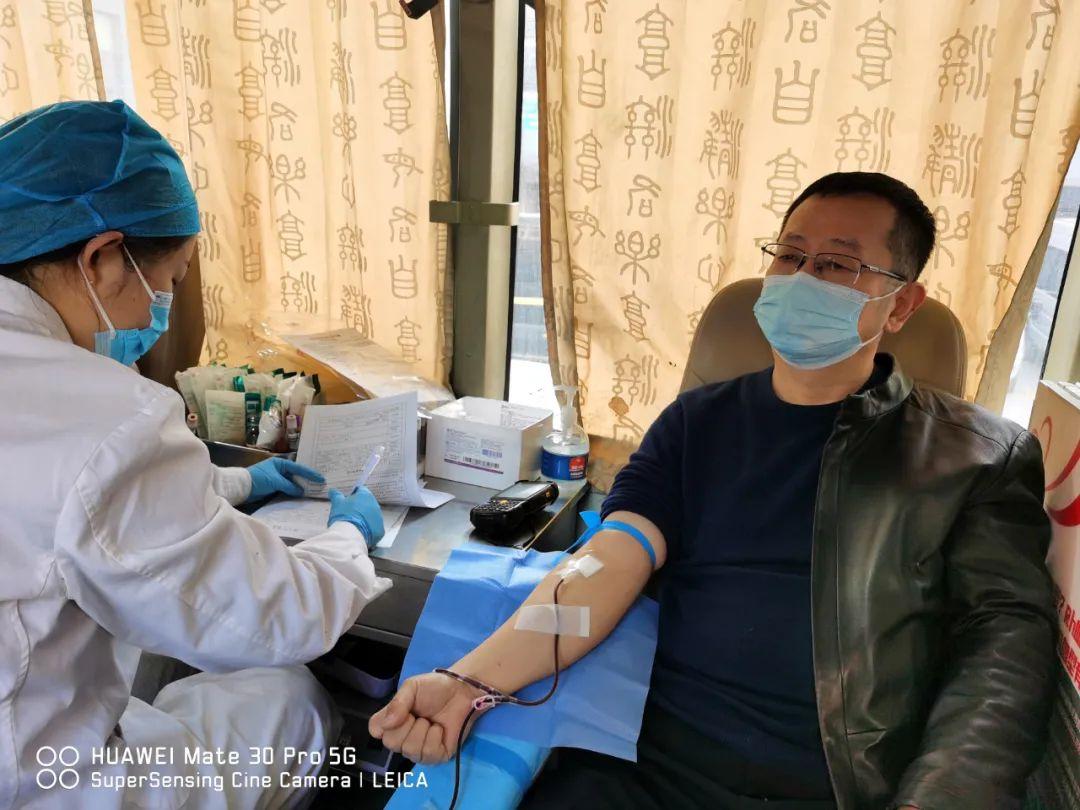 热血使者响应号召,西安大兴医院医务人员「撸起袖子」把血献