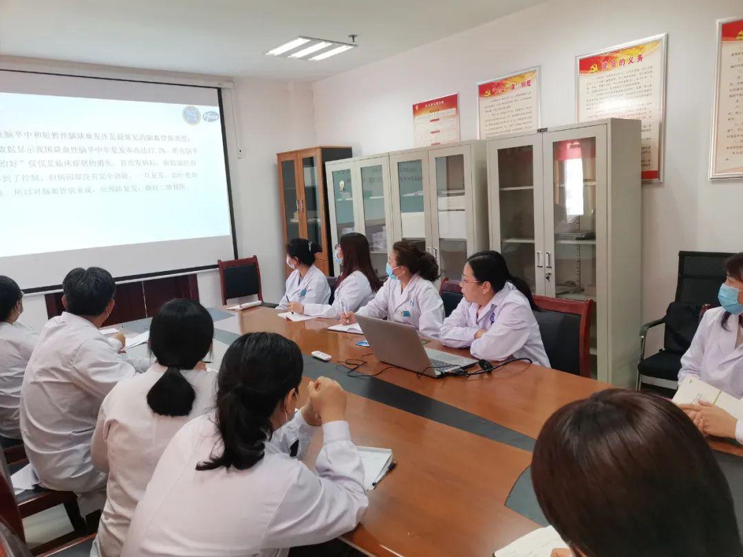 滨州医学院附属医院开展「脑卒中患者筛查及卒中手拉手——健康行」活动