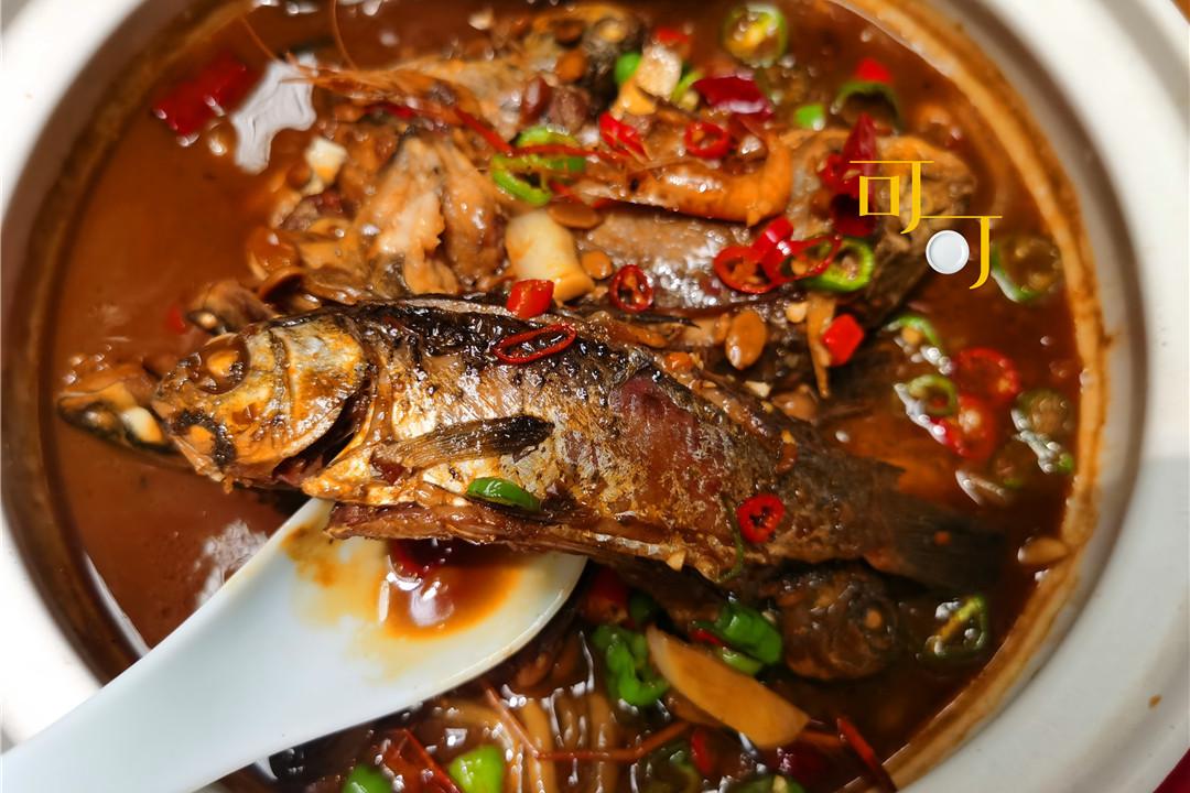 湖州双林镇的晚餐物美价廉,湖三鲜量大,两个人三个菜花了95元