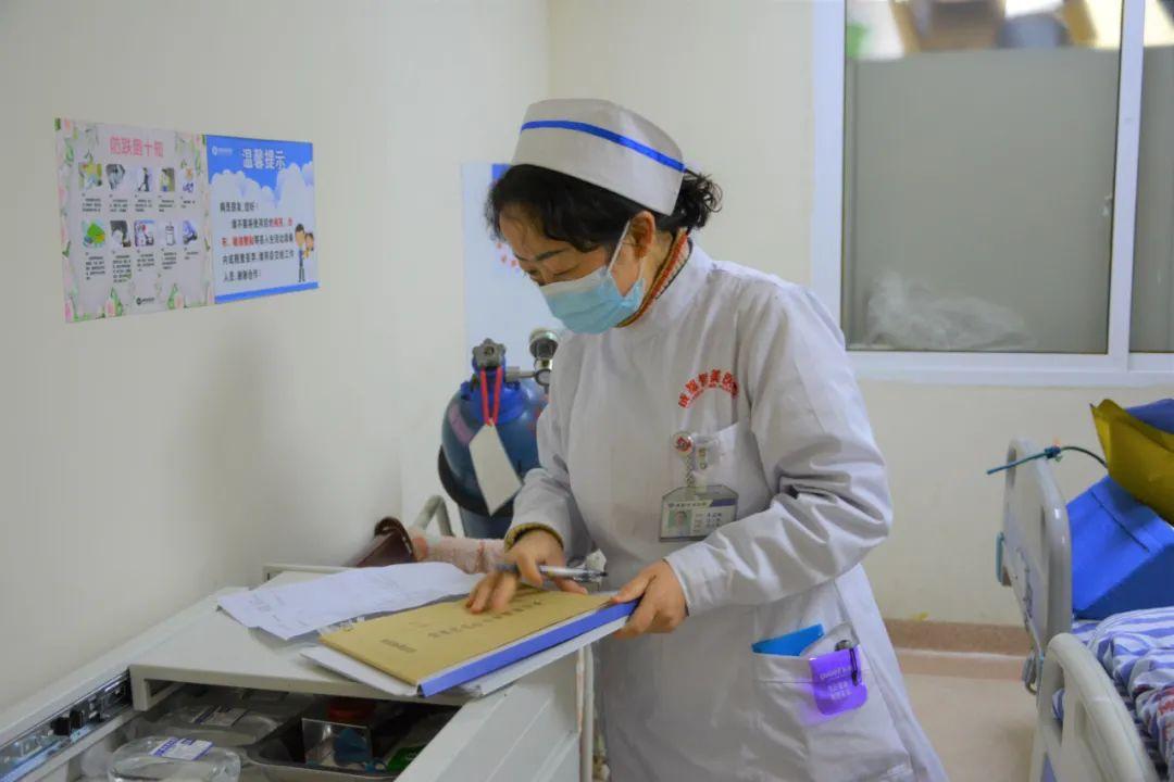 成都誉美医院院长质量大查房:改善细节提质量,制度落实强管理