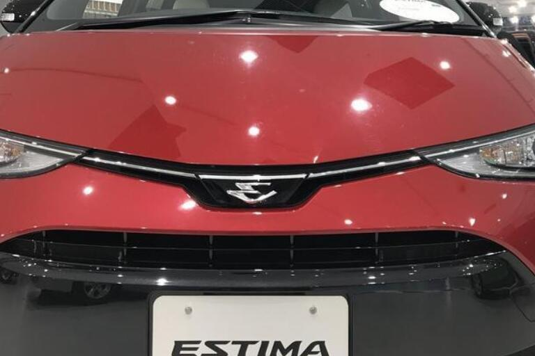 """丰田新款""""大霸王""""亮相!配2.4L引擎,配双电动门,预售38万"""