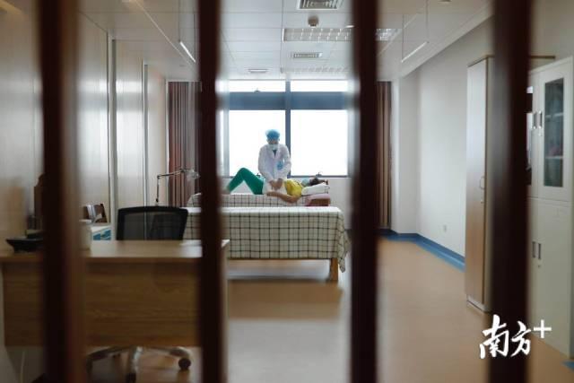 广州首家老年病康复医院,这样为老人提供康复治疗