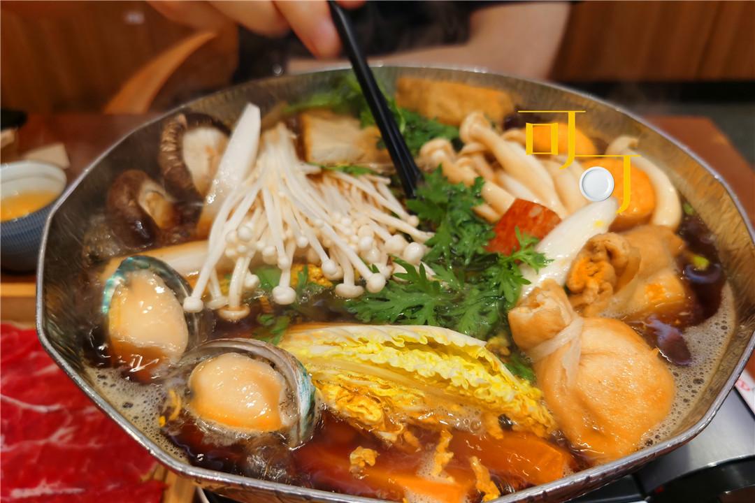 周末两个人吃一顿寿喜锅,99元的套餐,看看都有些什么好吃的
