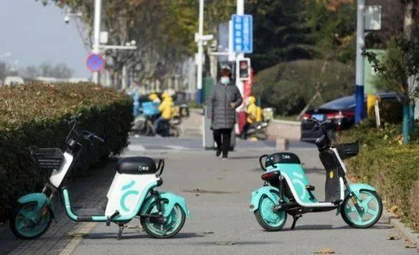 共享电单车被按下暂停键,北上广深明令禁止  第2张