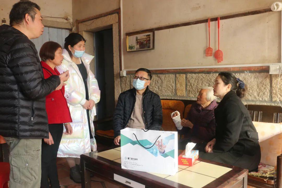 厦门莲花医院为八旬老人顺利完成骨科手术,护航老人骨健康