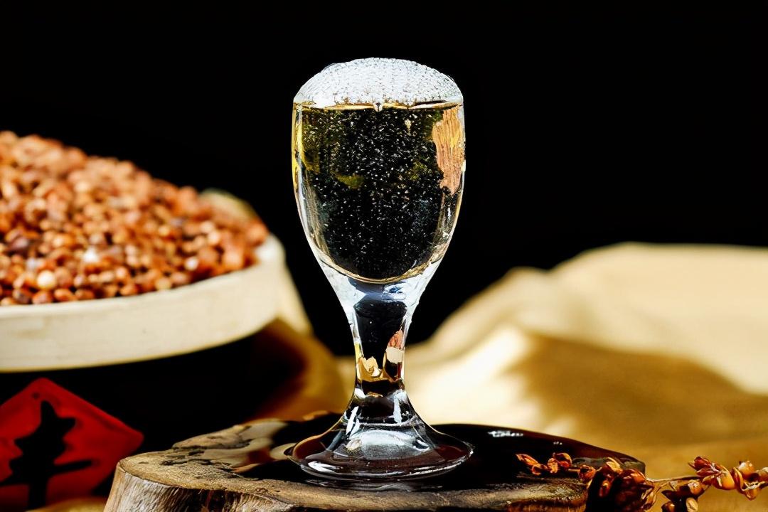 低度白酒真的不适合长期存放吗?解密低度白酒的真相