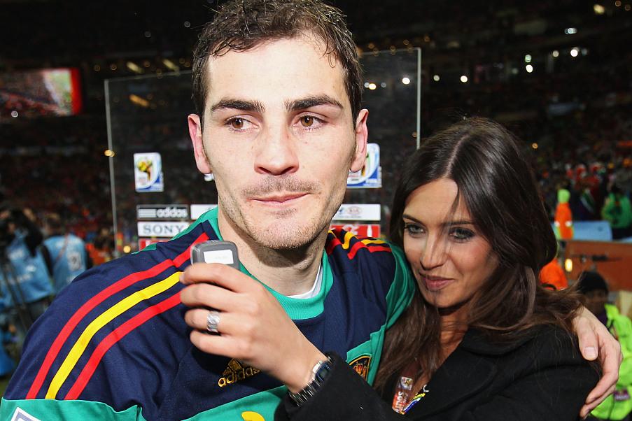 卡西利亚斯与萨拉正式分开,世界杯之吻成永恒回忆