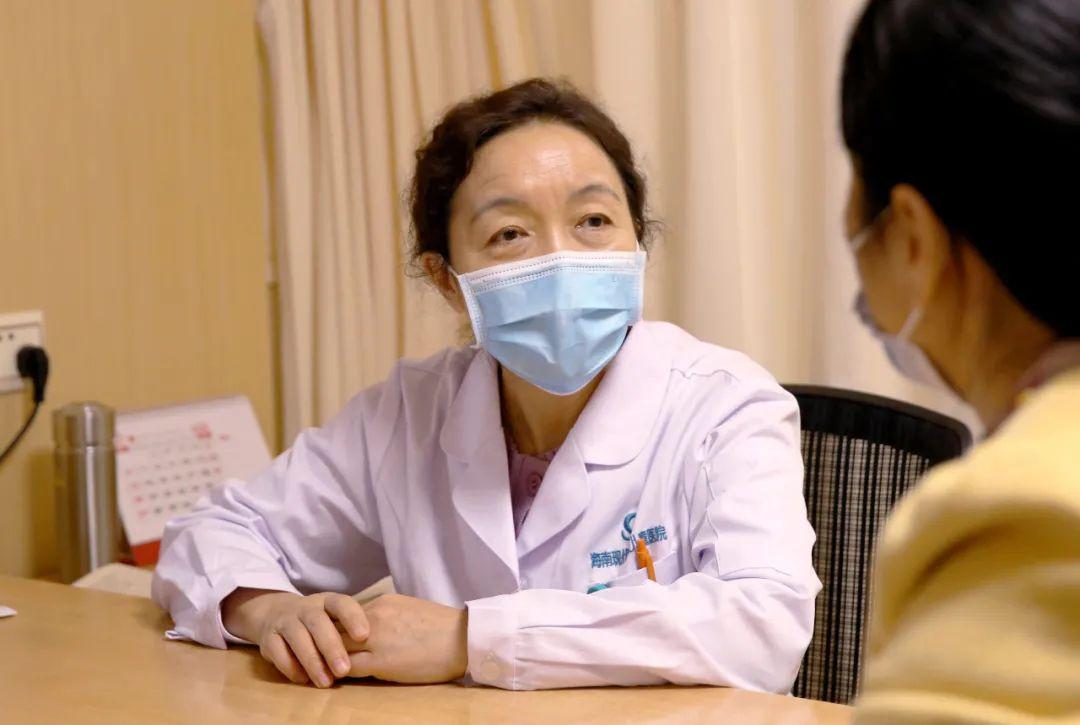 海南现代妇女儿童医院贺国丽教授:曾奋战 10 小时手术挽救患者 35 年执着妇科肿瘤