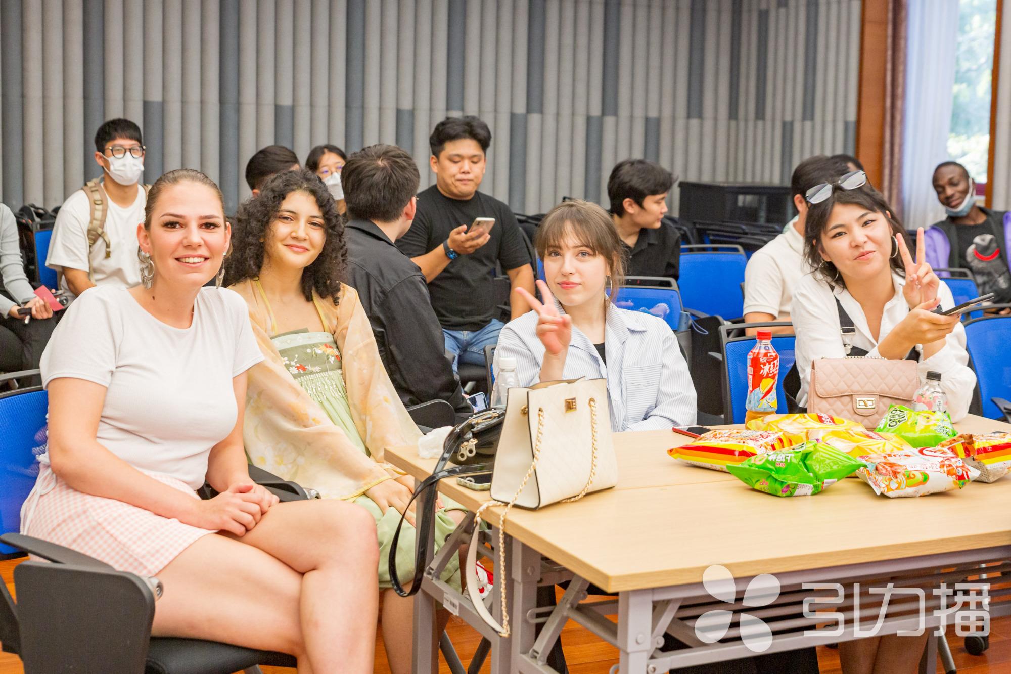 唱歌、跳舞、游戏……天涯共此时,苏州大学留学生共度快乐中秋