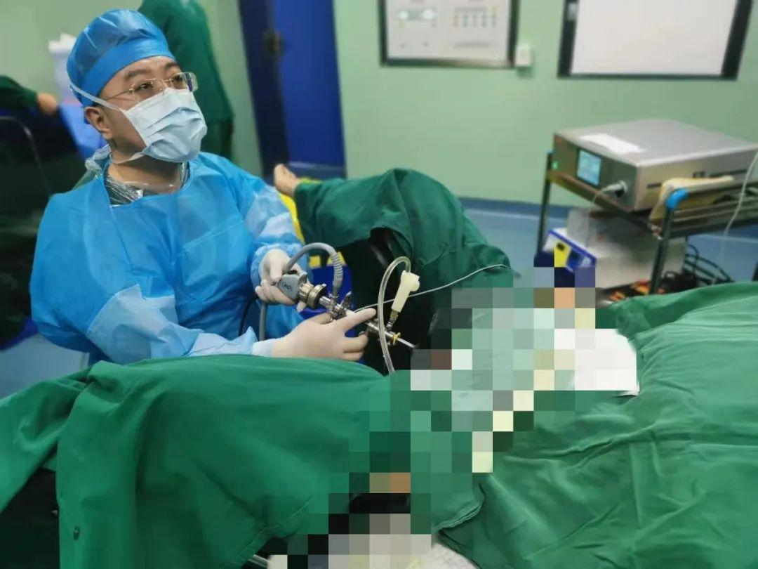 跨越微创手术「雷区」,烟台海港医院泌尿外科实施侧壁膀胱肿瘤整块剜除术