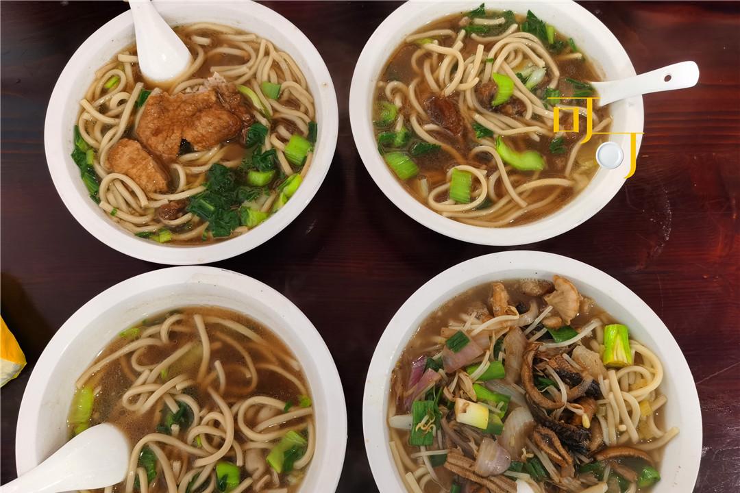 春节人多,宁波江北这个村游客少风景好,午餐带爸妈吃了四碗面条