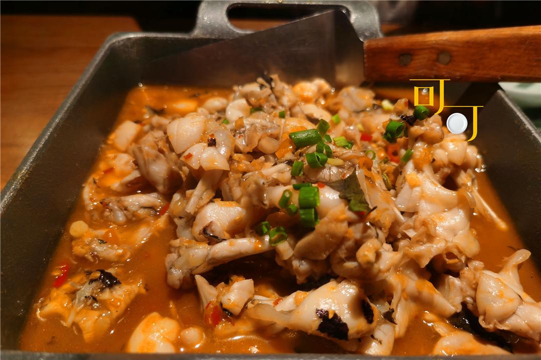 两个人晚餐吃一顿很辣的湖南菜,火宫殿的臭豆腐为什么是黑色的?