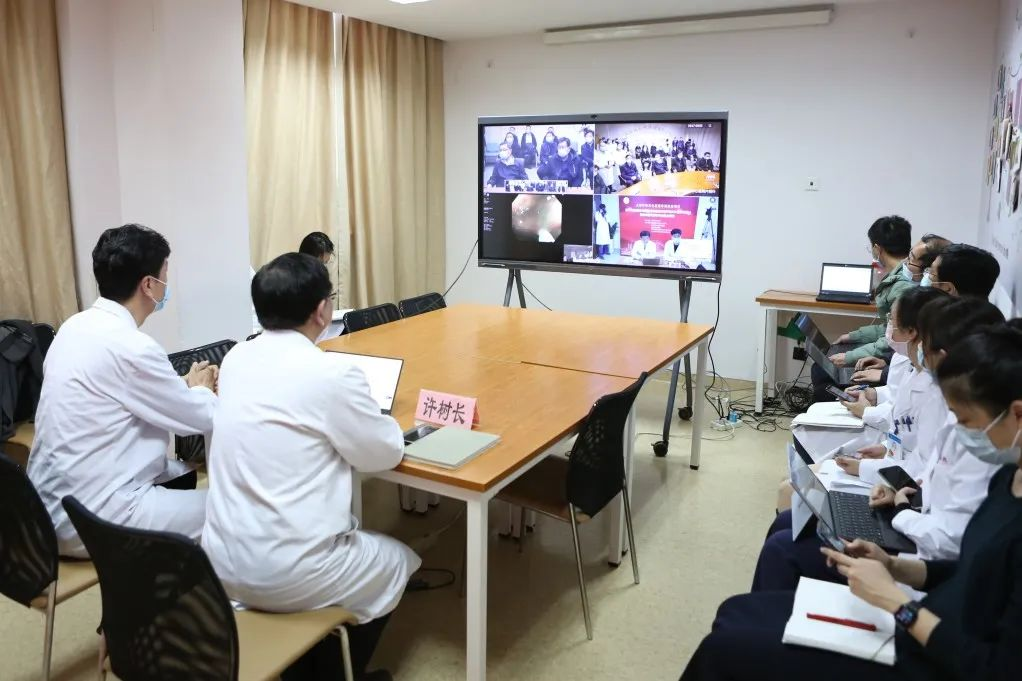 上海市领导 5G 连线同济大学附属同济医院,考察指导医院对口援助克拉玛依市中心医院工作