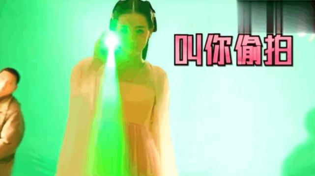 迪丽热巴玩激光笔射高伟光眼睛和摄像机是怎么回事 迪丽热巴为什么要这么做