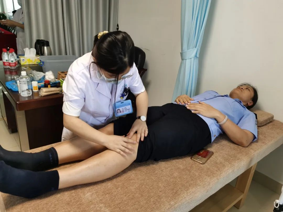 「携手康复义诊,关爱民警健康」广州市东升医院义诊活动