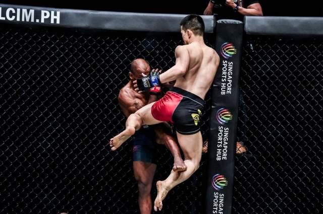 2021年8月27日ONE冠军赛 谢维vs金大焕(Dae Hwan Kim)-赛后视频