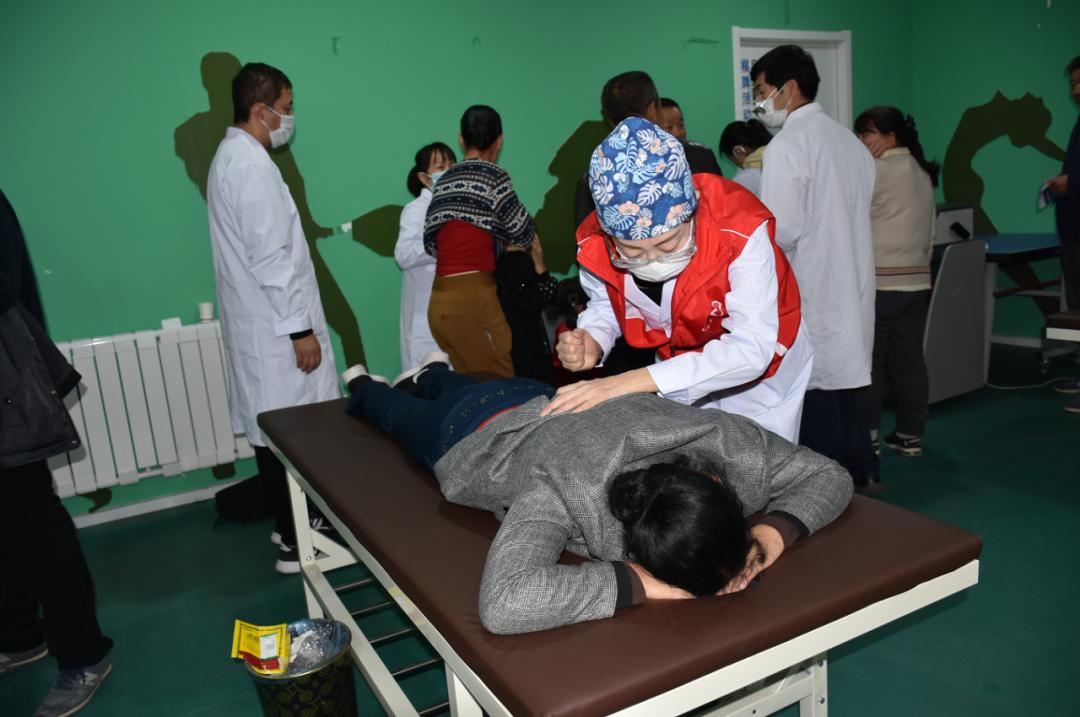 延大附院疼痛康复科举办「世界疼痛日•中国疼痛周」义诊活动
