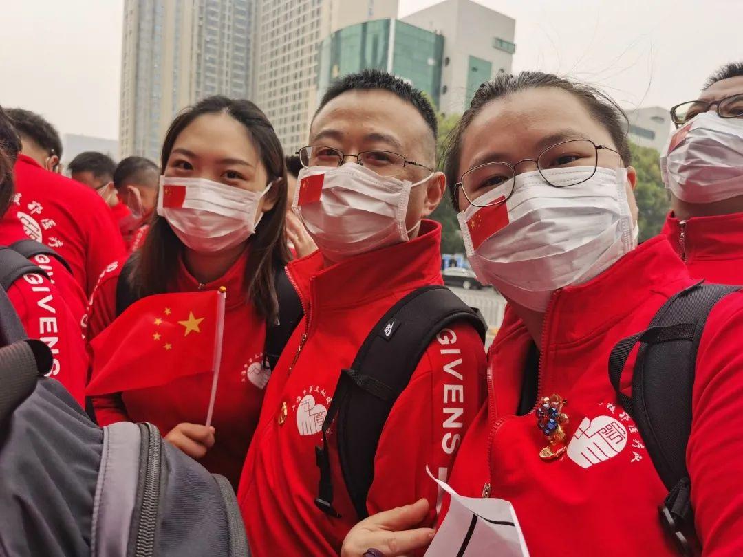 上海市长宁区妇幼保健院致敬生命的守护者