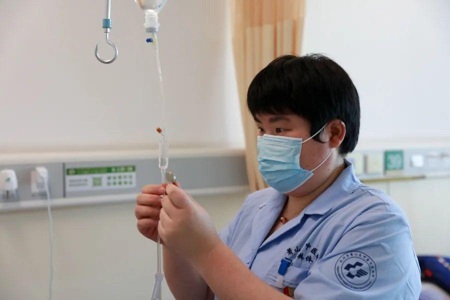 萧山区「 优秀护士」 沈芳:13 年,一直以「 三好护士」 标准