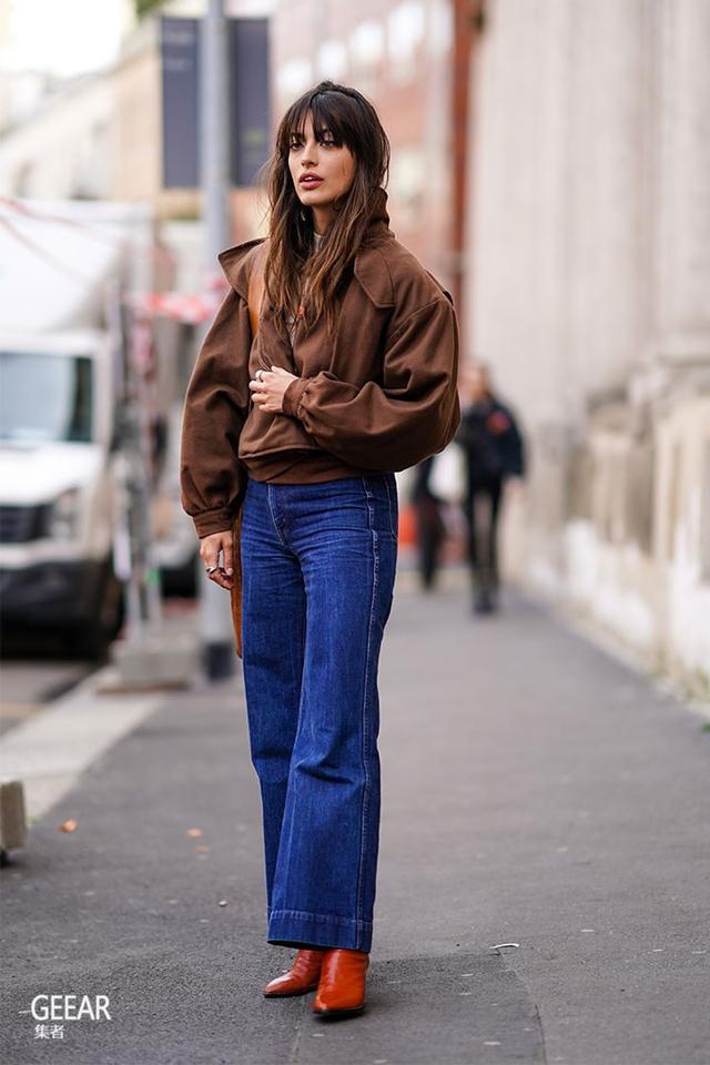 告别全黑穿搭吧!本季的街头女生都用它穿出知性复古时尚感