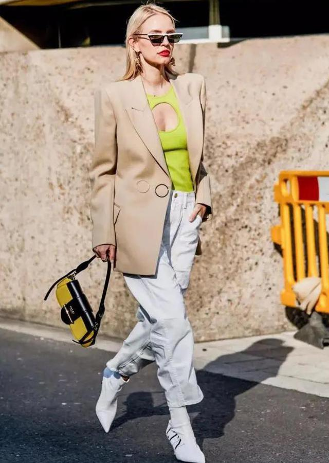 """单肩包已经过时,有趣又时髦的""""法棍包""""正流行,让你时尚感爆棚"""