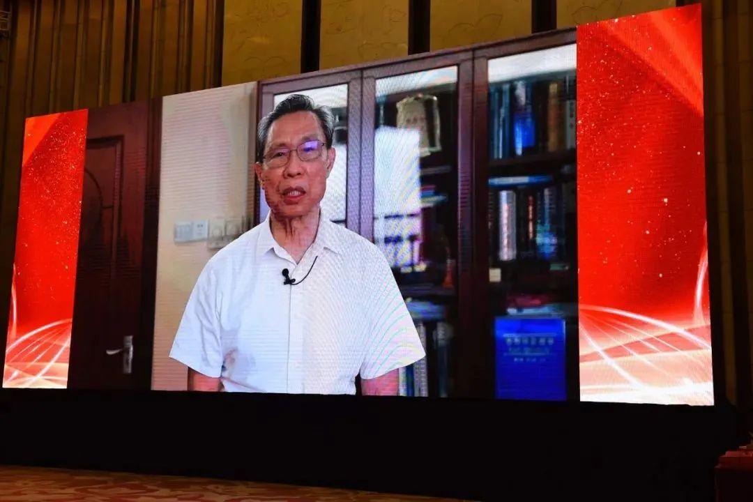 佑佑宝贝荣获 2020 年中国护理管理大会「医惠杯」全国智慧护理优秀案例奖