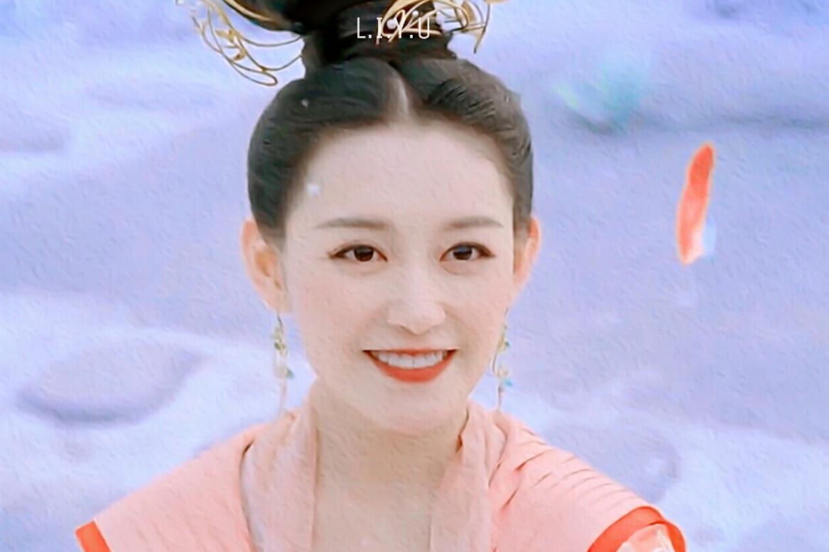 如果选一个小花和吴磊搭戏,我只期待她