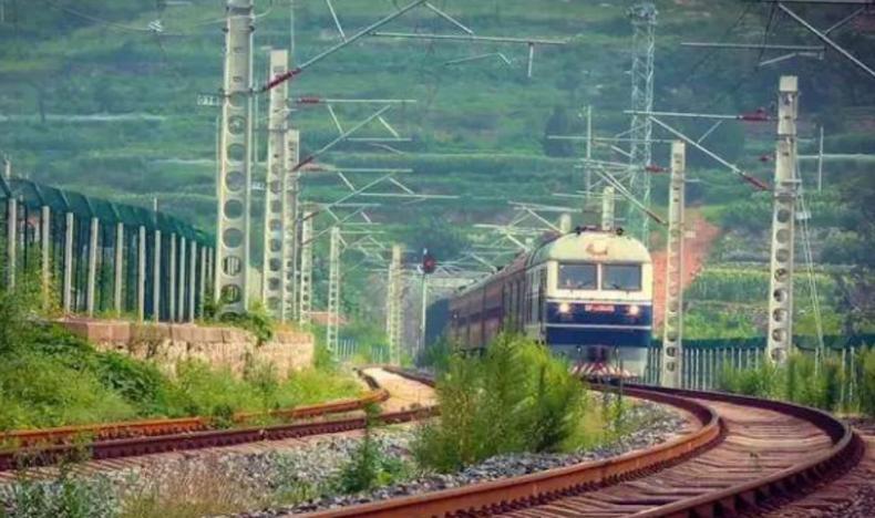 高铁时代,这些地方竟还有票价1元的慢火车 旅游 旅游问答  第2张