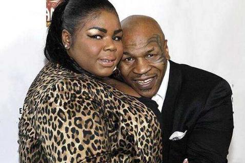 泰森的1000万嫁妆可以省了!300斤女儿瘦身成功,新男友酷似哈登