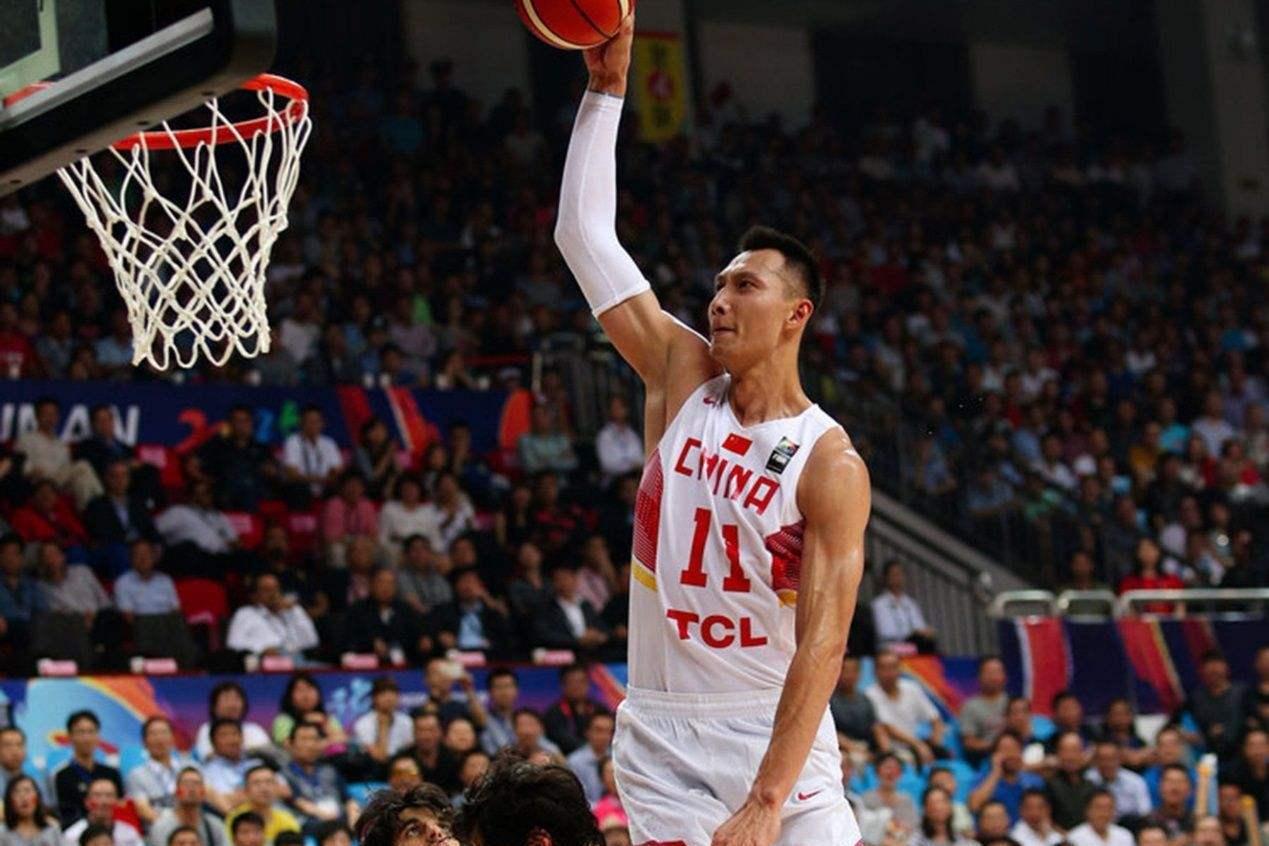 男篮领袖易建联迎33岁生日,33个数字展现其篮球生涯