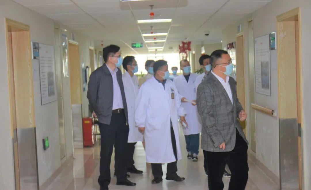成都市第二人民医院专家组莅临成都誉美医院指导交流