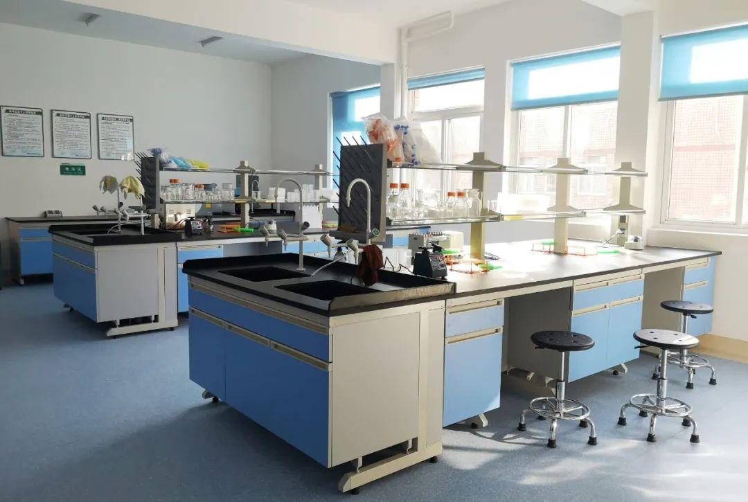 桂林医学院附属医院临床实验中心揭牌启用