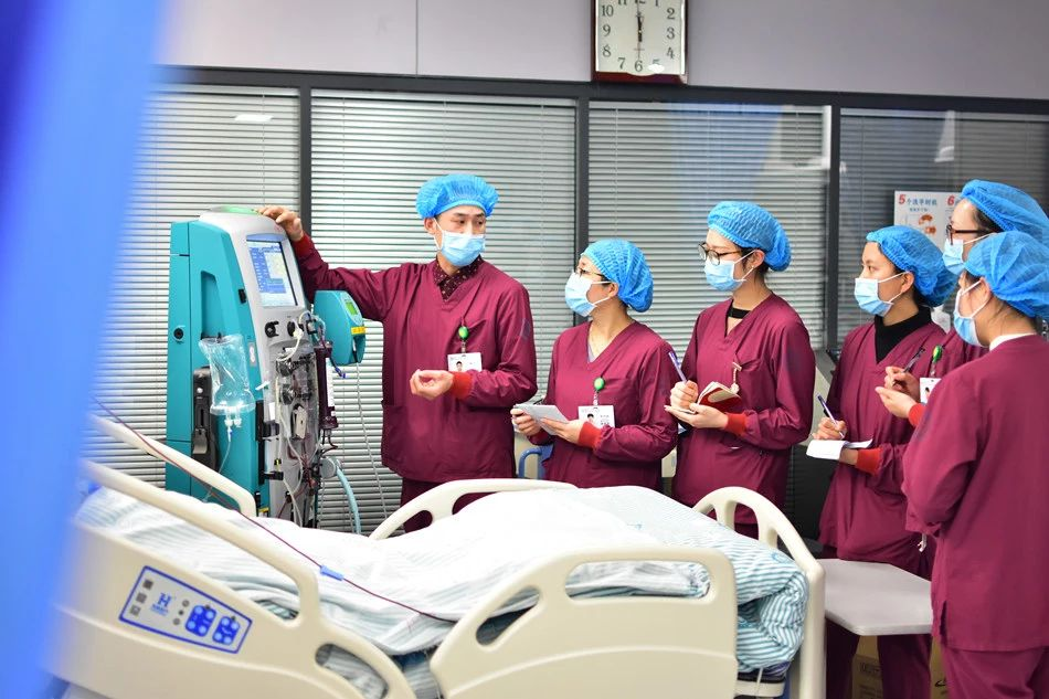 重庆市璧山区人民医院这位南丁格尔小哥哥,获评「重庆好护士」