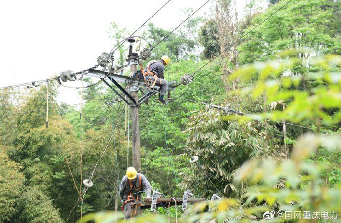 重庆合川供电公司完成蓝天河提灌站的送电工作