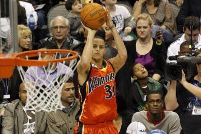 库里7次全明星三分大赛经历:两度封王投出NBA历史唯一30+
