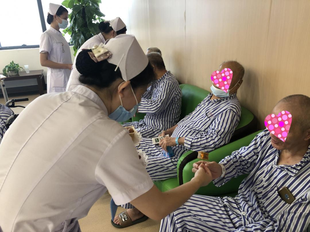 广州市东升医院住院部:一样的节日,不一样的守护